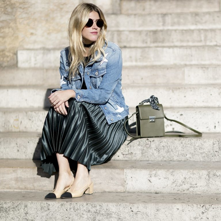 c755b39e7f29 How should you wear a pleated skirt outfit for the holidays ...