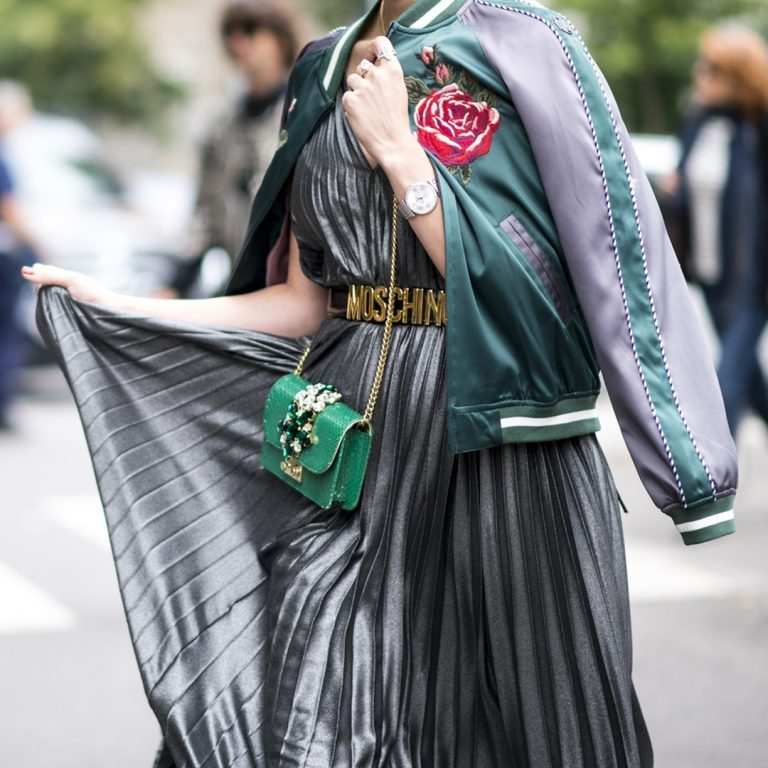 how to wear green accessories