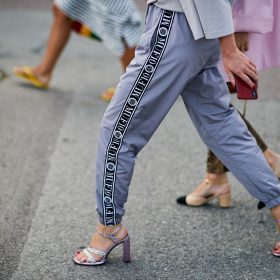 6 Ways to Style Purple Shoes
