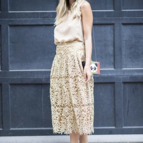 Women's Midi Skirts: Spice up your Business Look!