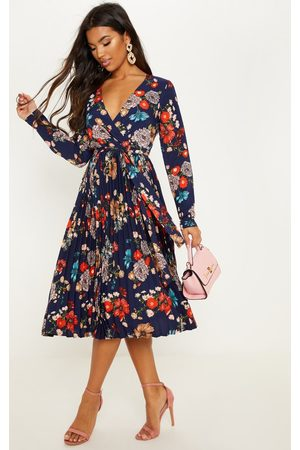 PRETTYLITTLETHING Navy Floral Long Sleeve Pleated Midi Dress