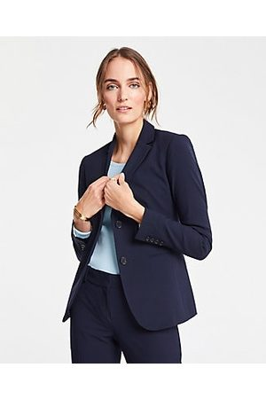 ANN TAYLOR The Petite Long Two-Button Blazer in Seasonless Stretch Size 00 Perfect Navy Women's