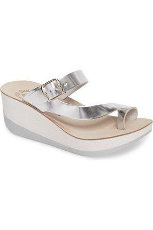 Fantasy Women's Felisa Wedge Sandal