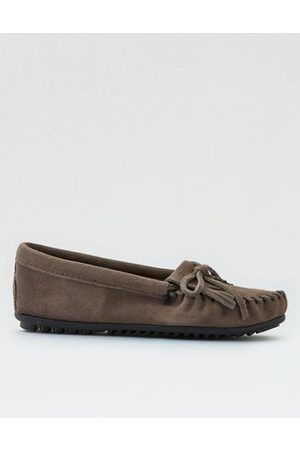 American Eagle Outfitters Minnetonka Kilty Suede Moccasin Women's 5