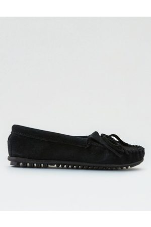 American Eagle Outfitters Minnetonka Kilty Suede Moccasin Women's 6