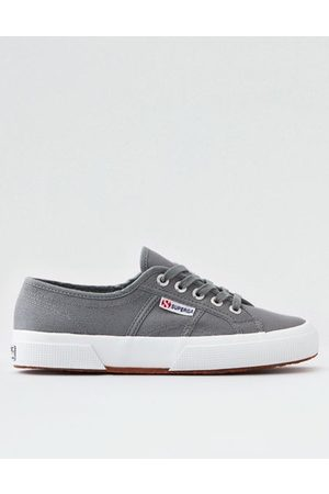 American Eagle Outfitters Superga 2750 Cotu Classic Sneaker Women's 6