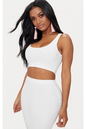 PRETTYLITTLETHING Shape Slinky Square Neck Crop Top