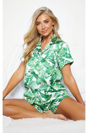 PRETTYLITTLETHING Palm Print Short Satin PJ Set
