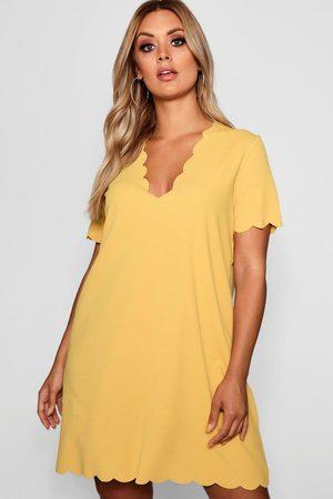 Boohoo Womens Plus Scallop Edge V Neck Shift Dress - - 12