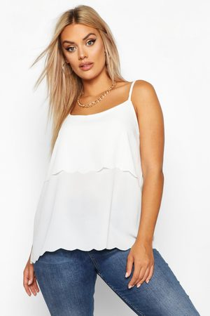 Boohoo Women Camisoles - Womens Plus Scallop Tiered Cami - - 18