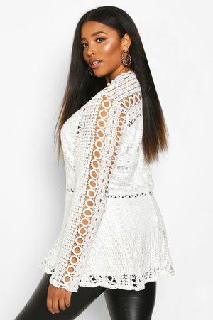 Boohoo Women Camisoles - Womens Plus Lace High Neck Peplum Top - - 12
