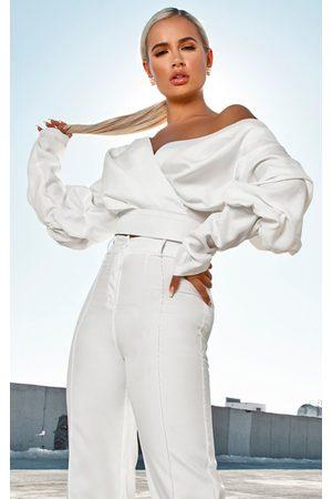 PRETTYLITTLETHING Women Crop Tops - Woven Puff Sleeve Crop Shirt