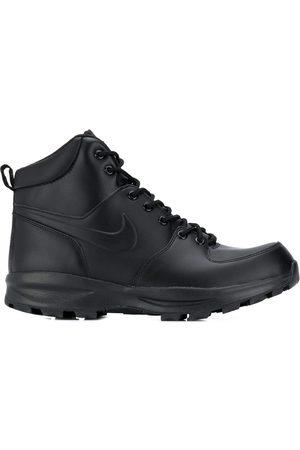 Nike Manoa sneaker boots