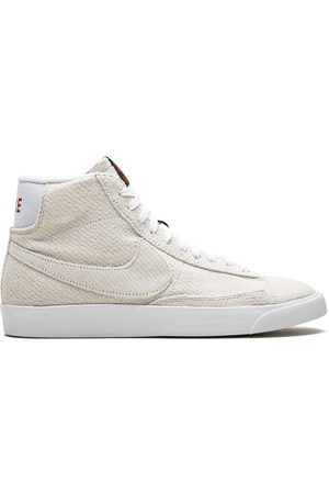 Nike Sneakers - X The Stranger Things Blazer Mid QS UD sneakers - Neutrals