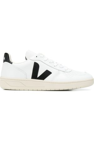 Veja Sneakers - V-10 low-top trainers