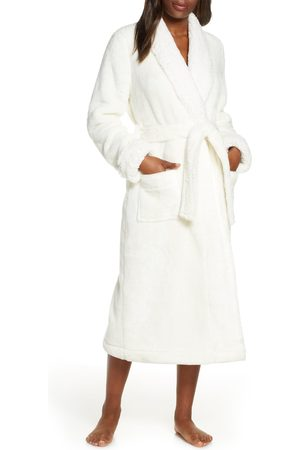 Nordstrom Women's Frosted Plush Robe