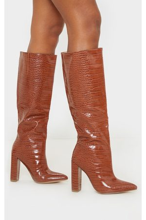 PRETTYLITTLETHING Tan Knee High Point Block Heel Boot