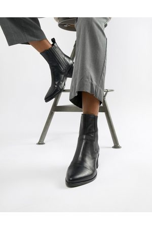 Vagabond Marja heeled ankle boots with stitching in leather