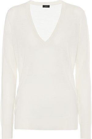 Joseph Women Sweaters - V-neck cashmere sweater