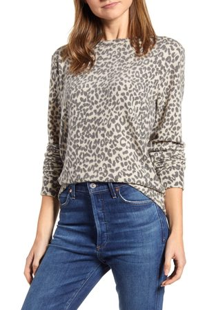 Loveappella Women's Loveapella Brushed Leopard Print Long Sleeve Crewneck Top