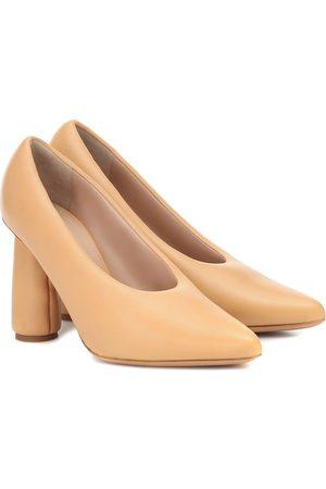 Jacquemus Les Chaussures Jacques leather pumps