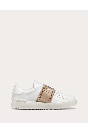 VALENTINO GARAVANI Rockstud Untitled Sneaker In Calfskin Leather With Metallic Stripe Women /peach 100% Pelle Di Vitello - Bos Taurus 35