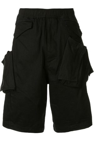 JULIUS Pocket detail knee-length shorts
