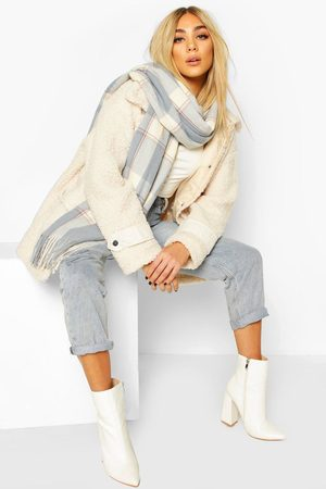 Boohoo Womens Soft Flannel Oversized Fringe Scarf - - One Size