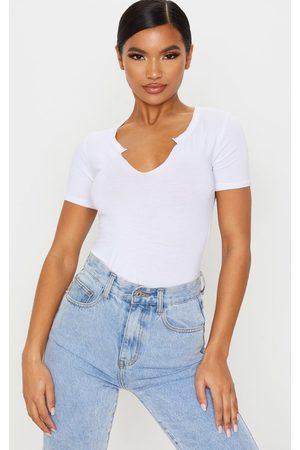 PRETTYLITTLETHING Jersey V Short Sleeve T Shirt