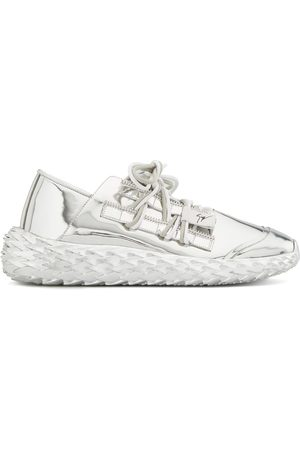 Giuseppe Zanotti Low top spike sole sneakers
