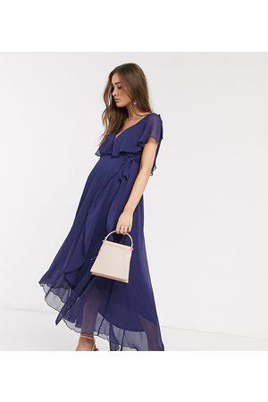 ASOS ASOS DESIGN Maternity split sleeve cape back dipped hem maxi dress with tie shoulder-Multi