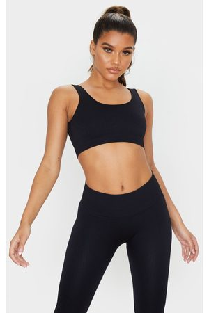 PRETTYLITTLETHING Ribbed Seamless Sports Bra