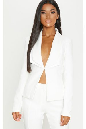 PRETTYLITTLETHING Avani Cream Suit Jacket