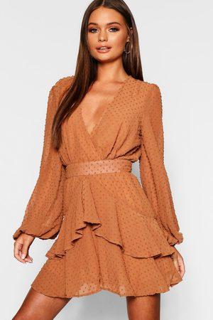 Boohoo Women Party Dresses - Womens Ruffle Hem Dobby Chiffon Mini Dress - - 10