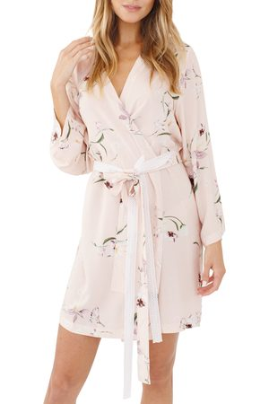 Plum Pretty Sugar Women's Floral Print Short Robe