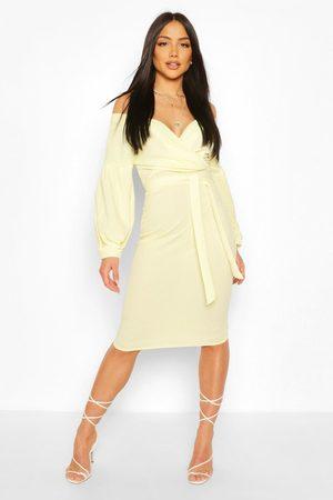 Boohoo Womens Off The Shoulder Wrap Midi Bodycon Dress - - 4