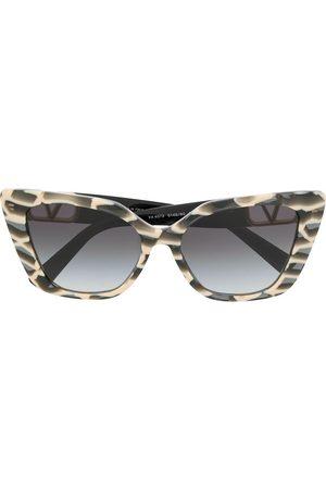 VALENTINO VLOGO cat eye frame sunglasses - Grey