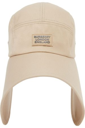 Burberry Logo appliqué bonnet cap - Neutrals