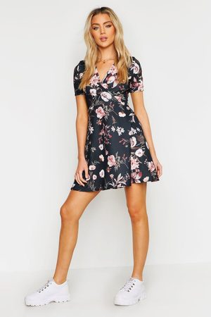 Boohoo Womens Wrap Floral Skater Dress - - 4