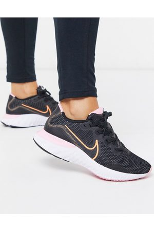 Nike Renew Run sneakers in