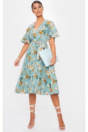 PRETTYLITTLETHING Women Printed Dresses - Sage Floral Pleated Midi Dress