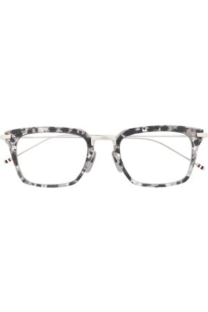 Thom Browne Sunglasses - Wayfarer cat-eye shaped glasses