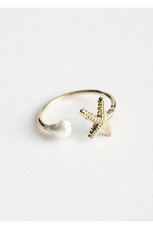 & OTHER STORIES Starfish Charm Open Ring