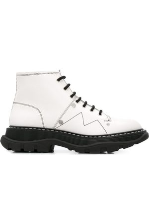 Alexander McQueen Women Lace-up Boots - Lace-up combat boots