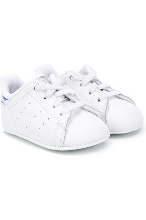 adidas Stan Smith logo print sneakers