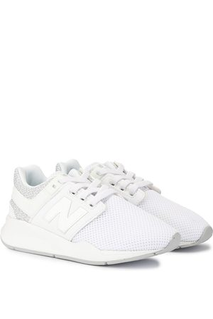 New Balance Mesh panel low top sneakers