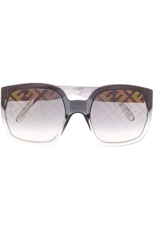 Fendi Logo print oversized sunglasses