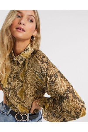 Liquorish Shirt with balloon sleeves in snakeskin print