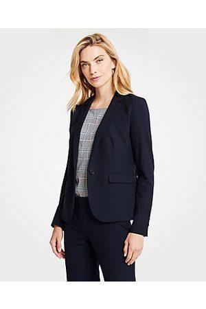ANN TAYLOR The Petite One-Button Blazer in Seasonless Stretch Size 00 Perfect Navy Women's
