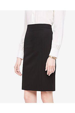 ANN TAYLOR Seamed Pencil Skirt in Seasonless Stretch Size 0 Women's